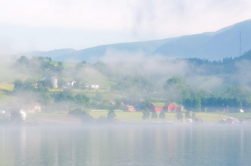 Byn Överås vaknar