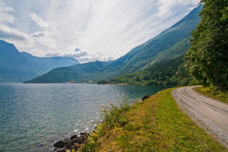 Road to Meringdal